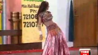 Rangeelo Maro Dholna - Deedar Mujra.mp4