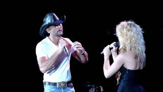 Tim Mcgraw Kicks out Fan before duet with Band Perry Gorge, WA 6/18/2011