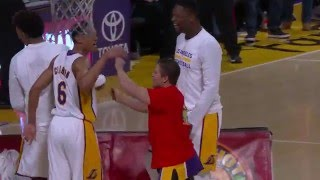 Fan Hits Half-Court Shot at Lakers Game for $95,000!!