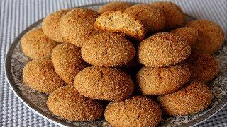 حلوة النخالة اليومية رووعة قليلة عليها مميزة الطعم والقوام بنة لا تقاوم وبلآاا زبدة