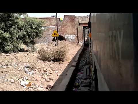 Sachkhand Express negotiating Raja Ki Mandi curve