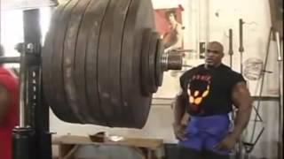 شوف الخبل يشيل 360 كيلو جرام (800 باوند) !!!