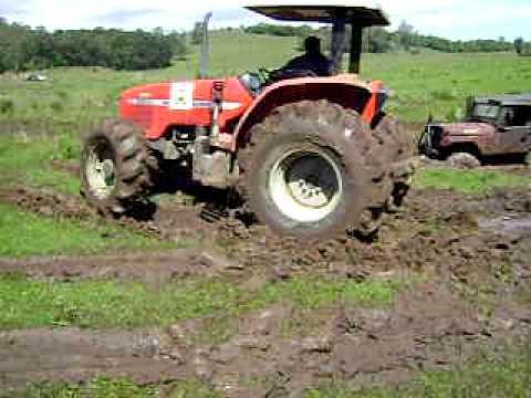 Trator Plantando
