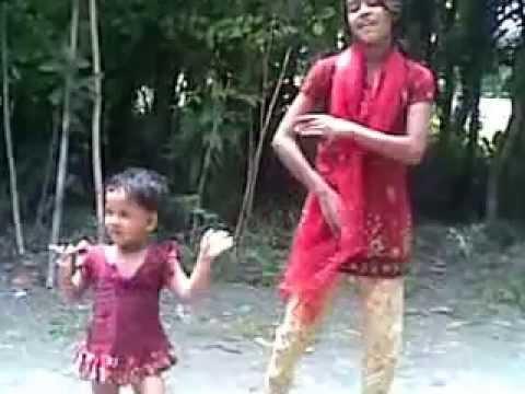 Bangladeshi Village Girls funny amateur dancing.