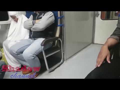 Xxx Mp4 Perempuan Ini Bisa Sholat Di Kereta Api 3gp Sex