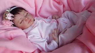 Boneca bebê reborn by Caí do Céu com mecanismo de respiração