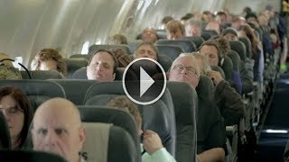 لقد غلبهم النوم في الطائرة، ولكن عندما استيقظوا لم يصدقوا ما يرون بأعينهم !!