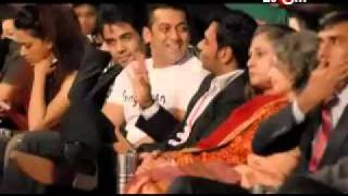 Ajay sides with Salman