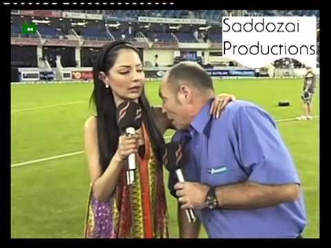 Danny Morrison being himself by smelling Natasha the Bimbo's armpit