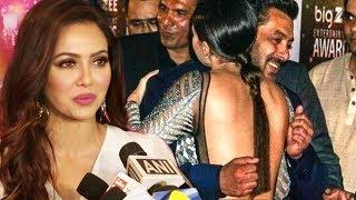 Sana Khan FUNNY Reaction On Salman Khan Hug At Big Zee Entertainment Awards 2017