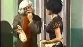 36 a) Chespirito 1980 - El Dr. Chapatin - La indigestión