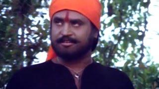 Fighters In Jungle @ Gangvaa - Rajnikanth, Shabana Azmi