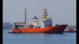 News Wrap: 200 migrants stranded on a Mediterranean rescue ship