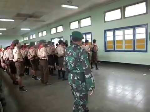 PERATURAN BARIS BERBARIS TNI PADA DIAN PINRU PRAMUKA PENGGALANG