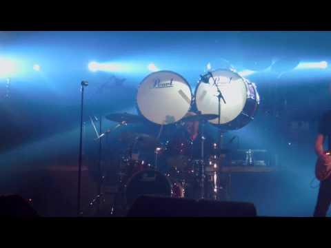 Golden Earring/Miss Montreal + Radar Love met fantastische drumsolo Cesar Zuiderwijk