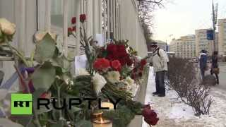 Russia: Mourners in Moscow pay respects to Charlie Hebdo victims