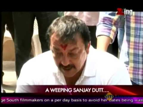 Sanjay Dutt Gets Emotional at a Press Conference