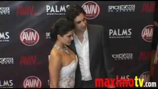SUNNY LEONE Arriving at 2010 AVN AWARDS SHOW Las Vegas January 9.flv