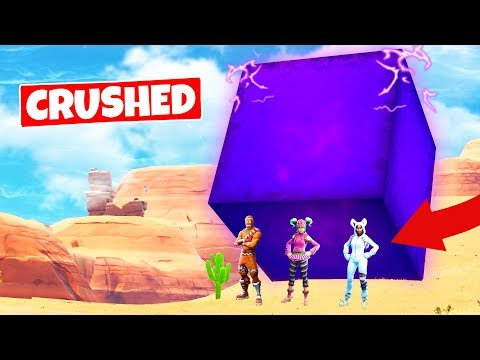 CRUSHED BY THE GIANT CUBE its moving Fortnite Battle Royale