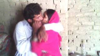 Kissing very nice sindhi song