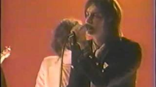 The Strokes-Meet Me In The Bathroom (Live @MTV 2002)