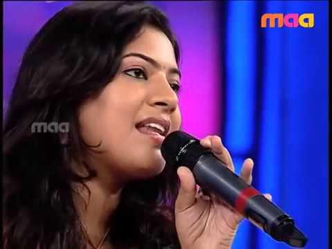 Geetha madhuri singing Amma talle song from PULI