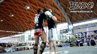 Sak Kaopon Lek e Fabio Corelli - Stage - Ginocchiate e posizione del braccio (Rimini Maggio 2013)
