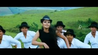 ULAGAM CHUTTUM VALIBAN - Chollu Chollu Chella song