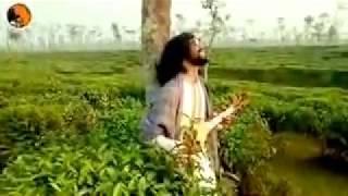 Otiter kotha gulo Purono Sritygulo mone mone Raikho