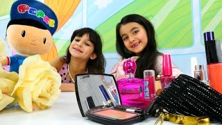 Pepee kızlarla Şila'nın doğum günü partisine gidiyor. Süslenme ve makyaj yapma oyunları