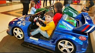 THE WHEELS ON THE BUS SONG - Alex Ride on Car-Power Wheels