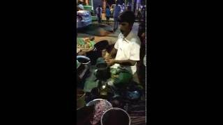 Kolkata jhalmuri (Spicy puffed rice)