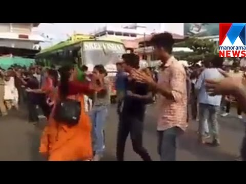 Xxx Mp4 Girl Beaten By Woman Not Her Mother While Flash Mob In Kannur Manorama News 3gp Sex