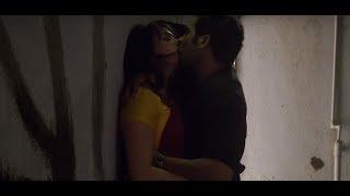 Desi aunty in saree super hot kiss