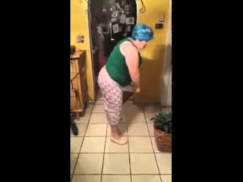 Xxx Mp4 FUNNY FAT DANCER GIRL DANCING CABALLITO DE PALO 3gp Sex