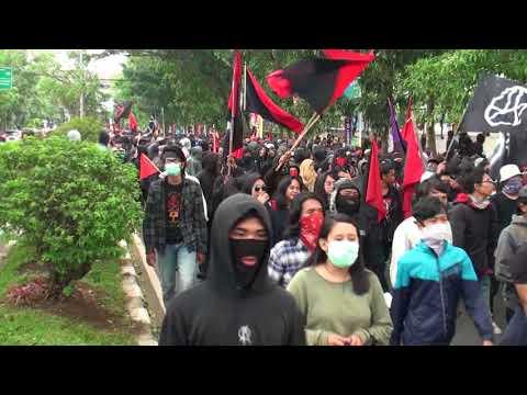 Xxx Mp4 Astaga Mahasiswa Bandung Demo Tapi Rusak Fasilitas Umum 3gp Sex
