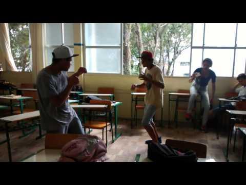 Briga violenta em escola Jon Jones