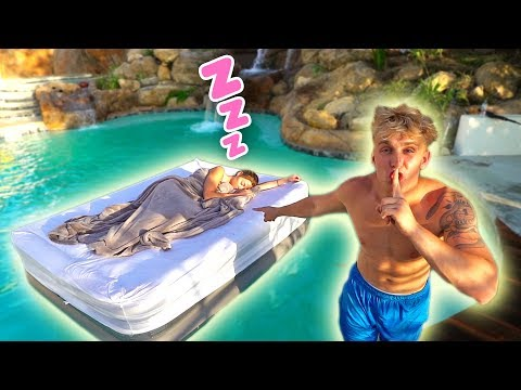 HOT GIRLFRIEND WAKES UP IN SWIMMING POOL PRANK