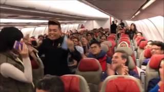 Passengers dancing on board with flight crew in Malaysia! رقص مسافران در پرواز مالزی