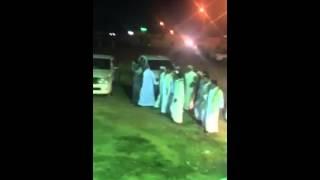 يمنيين مغتربين  من قبيلة الحداء يحضرون حفل زواج با