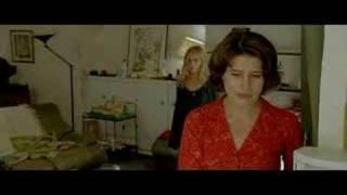 Nathalie... (2003) scene 1