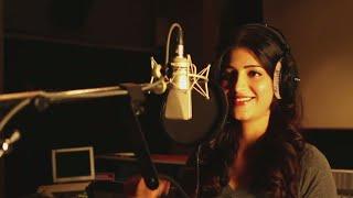 Shruti Hassan Grooves And Sings Item Song in Aagadu Movie