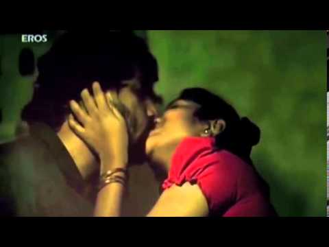 Amala Paul Kiss
