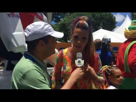 Carnaval 2016 Entrevista com Carla Perez