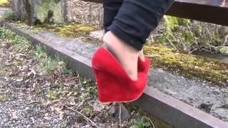 Walking and dangling with red wedges