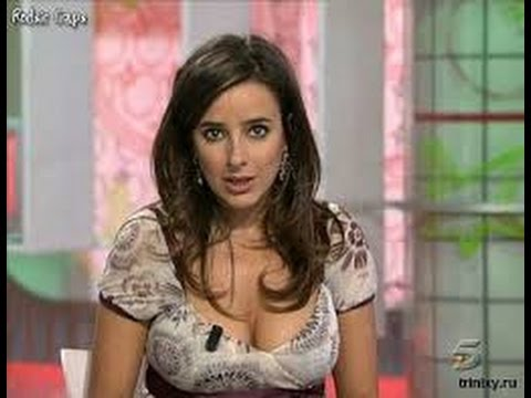 Sexy News Anchor Loses Shirt On TV