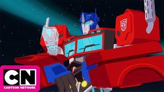 Transformers Cyberverse | The Pits | Cartoon Network