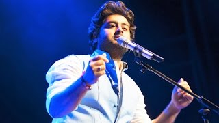 Arijit Singh Live Singing Nashe Si Chadh Gayi  Nashe Si Chad Gayi Live Arijit
