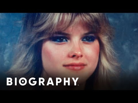 Biography The Life of Anna Nicole Smith The Early Years