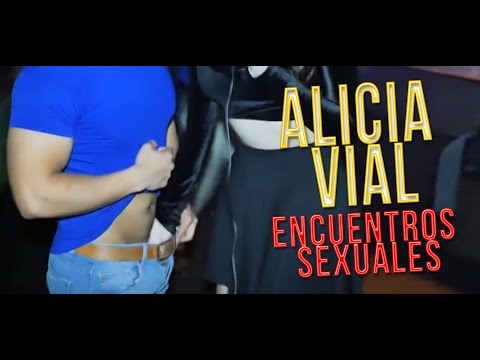EXPERIENCIAS SEXUALES POR LAS REDES SOCIALES
